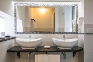 A bathroom at Hotel La Playa