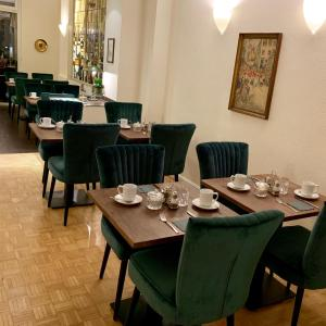 A restaurant or other place to eat at Hotel Domspitzen