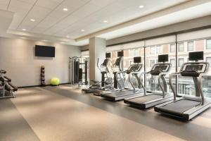 The fitness center and/or fitness facilities at Home2 Suites By Hilton Chicago River North