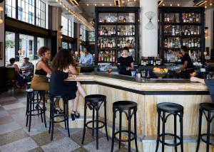 Salon ou bar de l'établissement Ace Hotel New Orleans