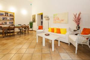 A seating area at Casa Lungomare