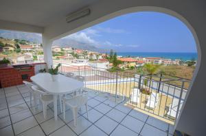 Balcone o terrazza di Villa Trinacria Apartments