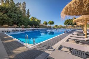 Het zwembad bij of vlak bij Barceló Montecastillo Golf