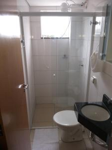 A bathroom at Apartamento Cidade Verde 3
