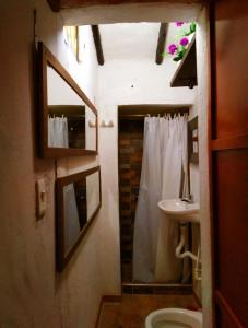 A bathroom at Sumercé Posada Pintoresca