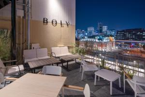 A restaurant or other place to eat at THE BOLY OSAKA