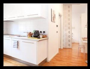 A kitchen or kitchenette at Room Touch And Go