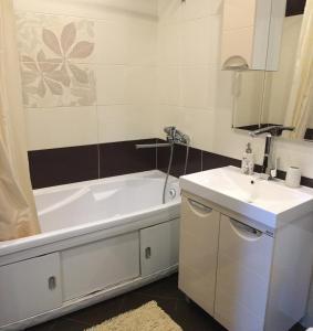 Ванная комната в Апартаменты на Октябрьской 197