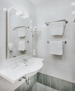 A bathroom at Hotel Ivka