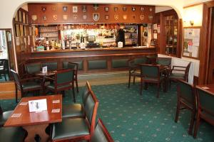 A restaurant or other place to eat at Ravenswood British Legion