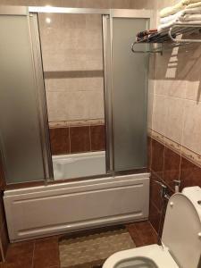 Um banheiro em ЦЕНТР БАКУ 2 Спальни