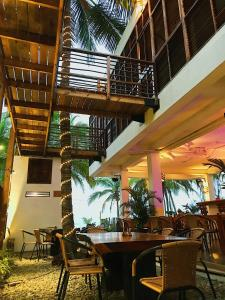 A restaurant or other place to eat at Makao Beach Hotel