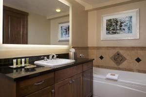A bathroom at Sunrise Lodge, a Hilton Grand Vacations Club
