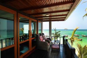 A balcony or terrace at Cabana Lipe Beach Resort