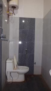A bathroom at Hotel Chandra Lokk