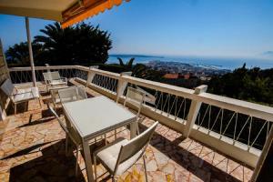 A balcony or terrace at La Grande Hune
