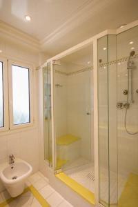 A bathroom at La Grande Hune