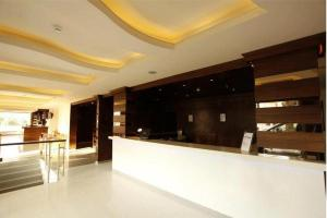 The lobby or reception area at Le Noble