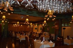 A restaurant or other place to eat at Royal Inn Hotel Puno