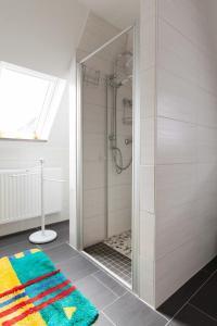 A bathroom at Ferienwohnung Rex