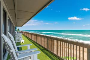 A balcony or terrace at Restoration Sands