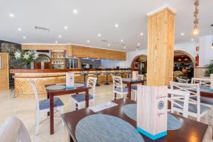 El salón o zona de bar de Hotel Concorde