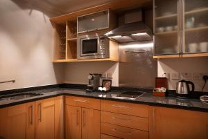 A kitchen or kitchenette at Great Cumberland Place