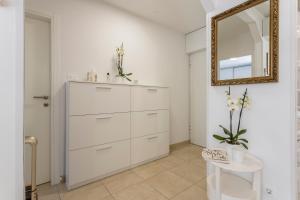 A bathroom at Adriatic Queen Villa
