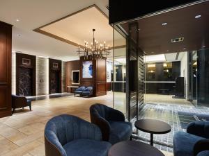 The lobby or reception area at Mitsui Garden Hotel Shiodome Italia-gai