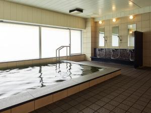 The swimming pool at or close to Mitsui Garden Hotel Shiodome Italia-gai