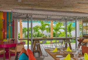 A restaurant or other place to eat at W Punta de Mita