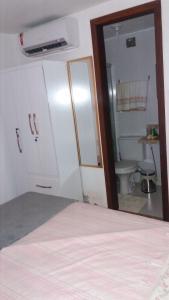 A kitchen or kitchenette at Flat Praia do Forte