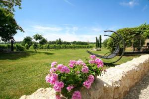 A garden outside Bleu Raisin