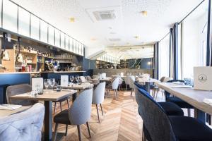 A restaurant or other place to eat at Hôtel & Spa Madison Saint Jean de Luz