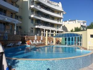 The swimming pool at or near Menada Sunset Kosharitsa Apartment