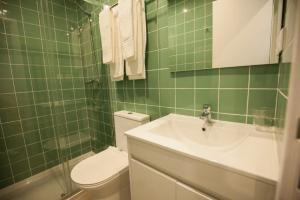 Un baño de OportoWaves