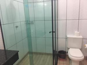 A bathroom at Pousada Casa Atlântica