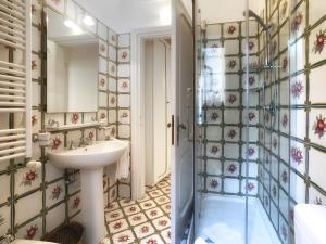 A bathroom at Villa Silia