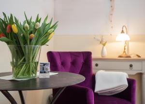 A seating area at Das kleine Altstadthotel