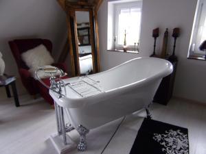 Ein Badezimmer in der Unterkunft Kleines Schlösschen