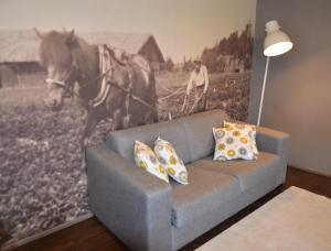 A seating area at Tammiston Apartments