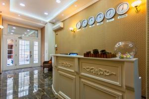 O saguão ou recepção de Deniz Inn City Hotel