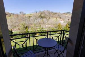 A balcony or terrace at Parador de Cangas de Onís