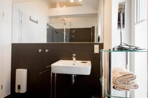 Ein Badezimmer in der Unterkunft Ferienapartments Am Steinfelder Hof