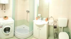 Koupelna v ubytování Apartments Baška Voda Jadran