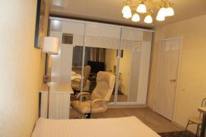 A seating area at Ekaterina Apartments