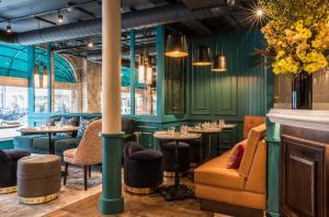 Salon ou bar de l'établissement Sloane Place