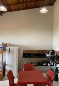 A kitchen or kitchenette at Flats Alto das Pedras