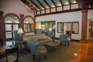 A seating area at The Flagler Inn - Saint Augustine
