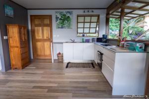 A cozinha ou cozinha compacta de Fare Matatia